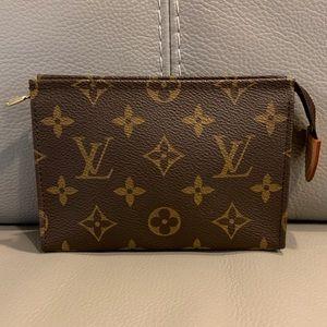c28ce200e1c9 Women Retired Louis Vuitton Handbags on Poshmark